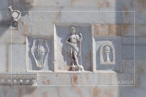 Particolari della facciata del Duomo di San Martino