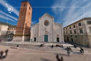 Vista della Facciata e del Campanile del Duomo di San Martino